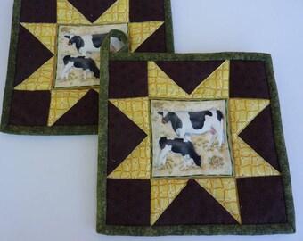 Barnyard Cows Pot Holder Pair
