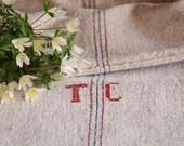FP A:antique 387 framboise rouge myrtille bleu, sac de grain, tissu d'ameublement, 48,82 long, vieux tissu en lin, grainsack, monogramme, vintage