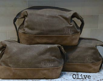 Personalized Gift for Groomsmen / Monogram Dopp Kit / Men's Toiletry Bag / Waxed Canvas FREE SHIPPING
