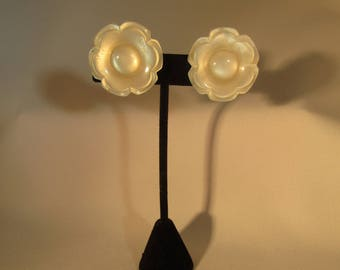 Vintage Coro Earrings Clip Large Off White Flowers