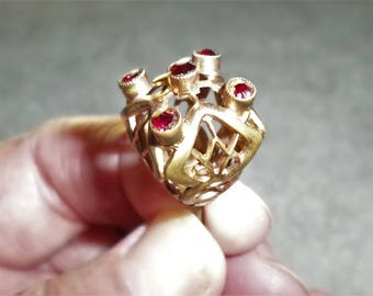 antique crown & ruby red jewel ornate filigree gold tone Hat Pin