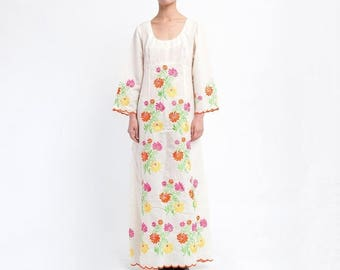 40% OFF CLEARANCE SALE The Boho Floral 70s Embroidered Dress