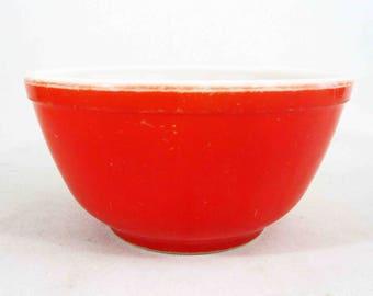 Vintage Pyrex 402 Unnumbered Red Mixing Bowl. Circa 1940's.