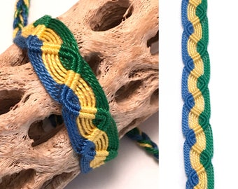 Peruvian friendship bracelet - snake pattern - wave - woven - macrame - braided - green - yellow - blue - tribal - string - thread