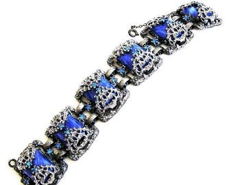 Retro Bracelet Sapphire Blue with Filigree Setting c.1950s