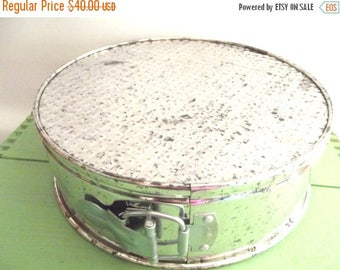 50% OFF EVERYTHING Set of Three Vintage 1950s 1960s Springform Buckled Tin 3 Tier Layer Cake Pans