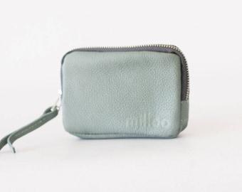 Zipper pouch in mint leather, coin purse zipper phone case money bag credit card zip purse - The Myrto Zipper pouch