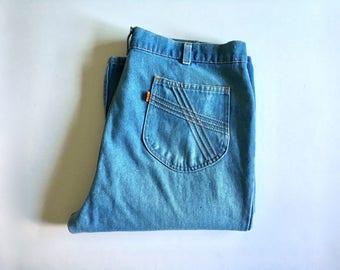 Vintage Men's 70's  Levi's Bell Bottom Jeans, Orange Tab, Light Wash, Denim (W38xL32)