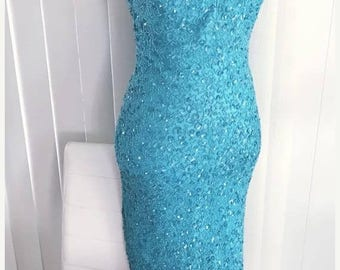 40% OFF Christmas in July Beautiful Vintage Turquoise Beaded and Sequin Mermaid Gown -- Old Hollywood Glamor Style -- Size M