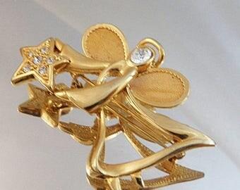 SALE Vintage Angel Brooch.  Gold Tone. Rhinestones. Christmas Pin. Holiday Angel Pin.