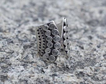 Silver ring, Adjustable Tribal silver ring, Silver ring with carvings, Unisex silver ring, Tribu jewellery, Ethnic jewellery, Ethnic ring