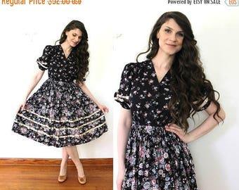 ON SALE 1970s Dress / 70s Dark Floral Prairie Dress