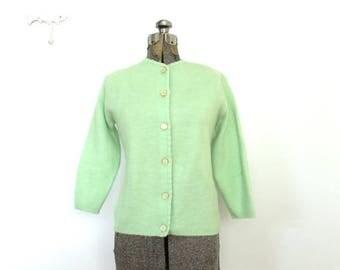 ON SALE 60s Cardigan / 1960s Honeydew Green Cardigan