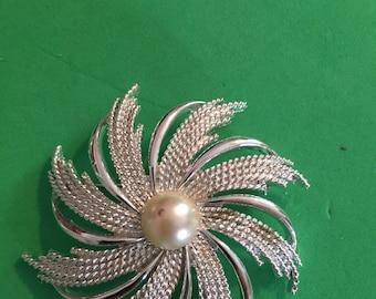 Silvertone Sarah Coventry pin