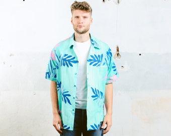 Vintage Men's HAWAIIAN Shirt . Summer Outdoors Shirt Palm Tree Floral Print Tropical 70s Short Sleeve Cotton Shirt . size Extra Large
