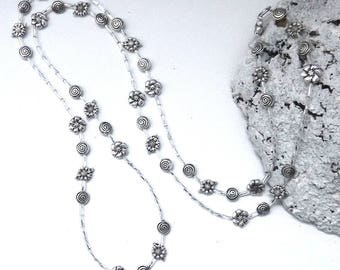 Maxi-lenght Silver Flower Necklace