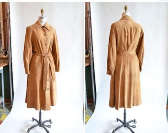 25% off Storewide // Vintage 1970s LEATHER trench coat