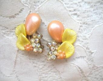 Vintage Earrings Plastic Flower & Rhinestone ~ Peach and Yellow Flowers ~ Clip On ~ Ear Climbers