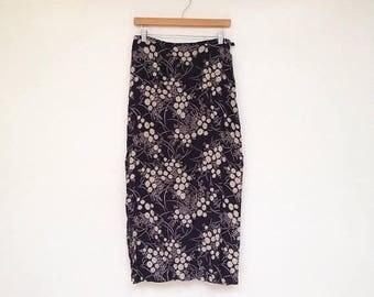 SALE Vintage 1990s Espirit Navy and Cream Daisy Print Slit Side Skirt