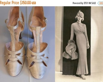 Anniversary Sale 35% Off Loves Love Song - Vintage 1930s Ivory Silk Satin Wedding Evening Open Vamp High Heels Pumps Shoes - 5/5.5