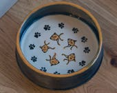 Community Cat Bowl / Dish for Multiple Cats/ Food or Water / Pawprints And Fish / Choice of Colors / Gift for Cat Owner / Gift under 20
