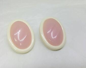 Avon  Shades of Spring pierced  earrings  1990 Pink Creamy White Original Box