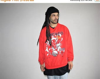 On SALE 35% Off - XL Nutmeg Mills Vintage 1990s NBA Chicago Bulls Red Oversize Hip Hop Sweatshirt - Bulls Basketball 90s - Mv0418