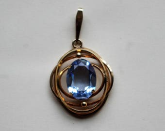 Vintage - Stunning Blue Topaz and 14kt Rolled Gold Oval pendant  - c1960s
