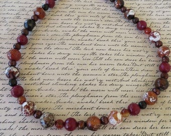 Spotted Brown And White Faceted Agate And Maroon Dyed Jade Beaded Necklace