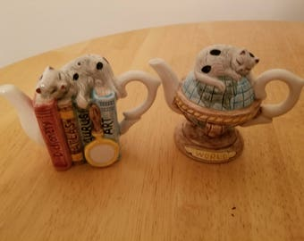Vintage Pair of Teapots Salt and Pepper Shakers