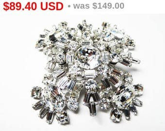 Summer Sizzler Sale D&E Juliana Brooch - Clear Rhinestone Delizza and Elster Pin - Square with Stacked Layers - Flowerette