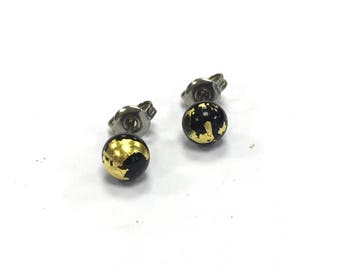 Black Glass and Gold Stud Earrings UK SRA