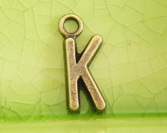 20 bronze letter k charms pendants kristen kaitlin kathy kelly word name character book movie literary 16mm x 7mm C0987-20