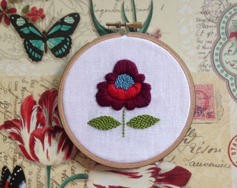 Boho Chic Flower by mlmxoxo.  hand embroidered hoop art.  home decor.  nature lover's gift.  bridesmaid gift. housewarming gift.  handmade.