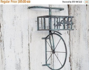 ON SALE Bicycle Wall Shelf / Bicycle Wall Decor / Metal Bicycle /Metal Wall Shelf/ Shabby Chic Decor / Shabby Chic Decor