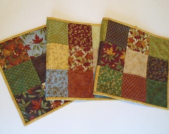 Country Quilted Table Runner in Fall Autumn Colors, Farmhouse Quilted Table Runner, Fall Leaves Table Topper, Primitve Decor, Table Quilt