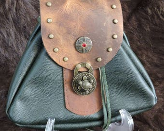 In Stock Large Economy Sporran Design Leather Belt Bag / Pouch Medieval, Bushcraft, Costume, Ren Faire,  Tan, wolf