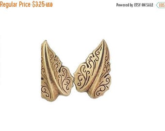 SALE 30% OFF Filigree Leaf Leaves Medium in Ox Brass Stamping Jewelry Making Supply Qty 2 Made in the USA