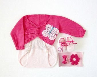 ON SALE Knitted cache-coeur with diaper cover - in pink with butterflies and flowers. 100% cotton. Newborn.
