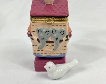 Dreidel Ceramic Noah's Ark Hand Painted Trinket Box Hanukkah Chanukah Jewish Judaica Hebrew Letters Nun Gimel He Shin Elephant Dove 1980's
