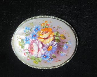 Vintage Hand Painted Shell Brooch