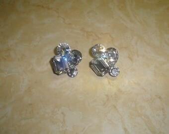 vintage clip on earrings silvertone beveled glass