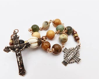 Unbreakable single Decade Rosary of The Virgin Mary In Prayer