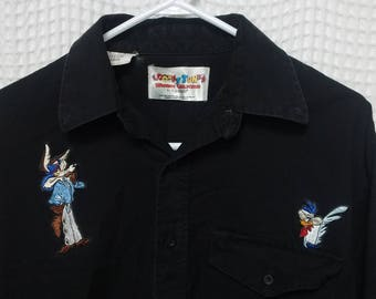 vintage 90s Looney Tunes button up Shirt sewn Wile E coyote and Road Runner Mens Large black long sleeve Western Collection wiley cartoons