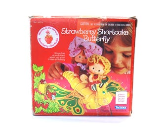 Strawberry Shortcake Butterfly Flitter Bit IOB Never Assembled w/Paper Work