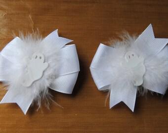 Halloween hair bows, white ghost baby hair bows, white feather halloween bows, halloween pig tail bows, toddler halloween bows, ghost bows
