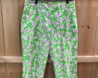 Ladies 90s Lilly Pullitzer Floral Capris Pants Size 12 / Pink and Green Floral Lilly Pulitzer Pants
