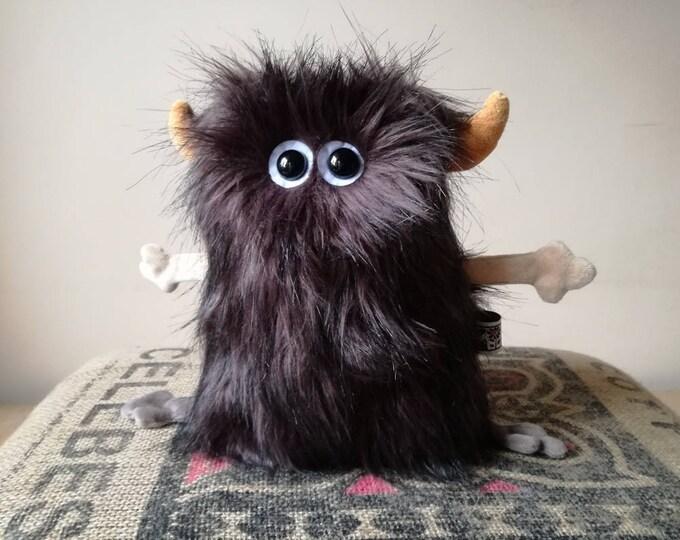 Furry Muma Brown Monster Plushie, Little Pocket Fur Monster Stuffie Toy, Funny Pocket Plush