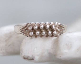 Dainty Silver Ring - Sterling Silver Stackable Ring - size 6.5