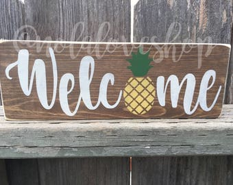 Welcome pineapple| summer wood sign| pineapple sign| rustic summer wood| rustic pineapple| distressed pineapple| welcome rustic| summer sign